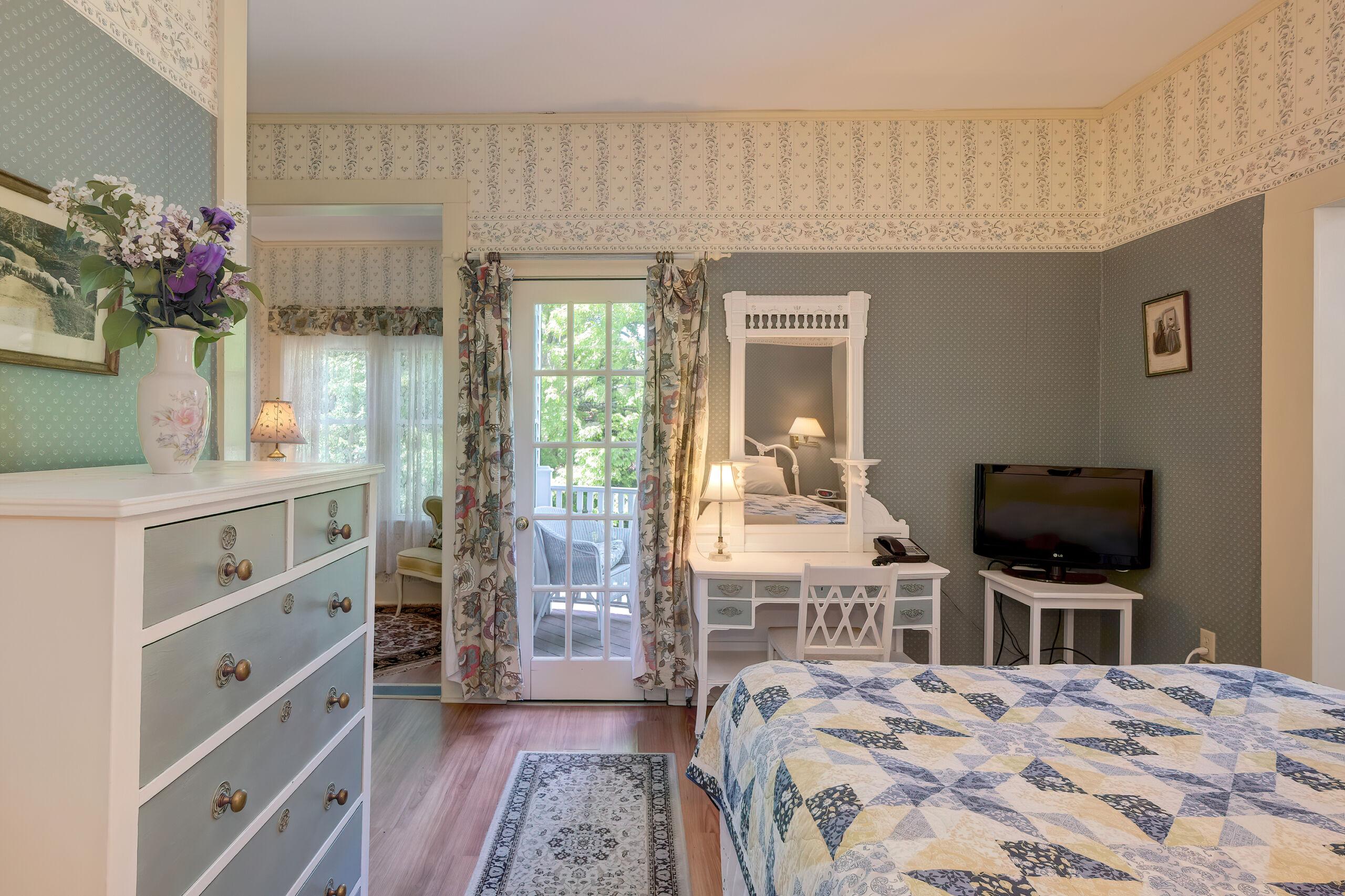 Rodick Bed